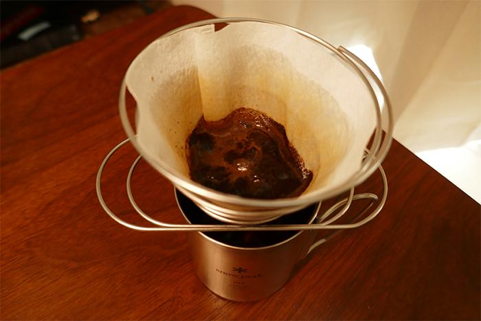 コーヒーバネット淹れる