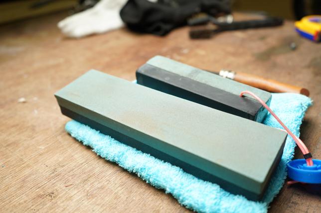 オピネルナイフ砥石