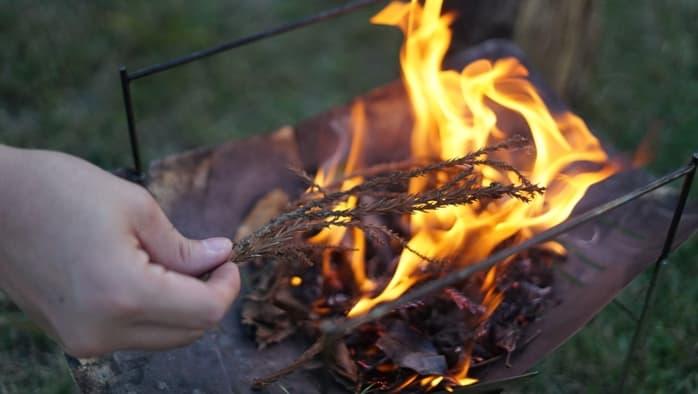 メタルマッチ 杉 燃えやすい