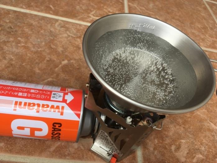 ユニフレームミニバーナーUS-700お湯を沸かす