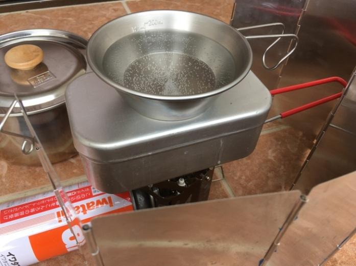 ユニフレームミニバーナーUS-700でメスティン炊飯