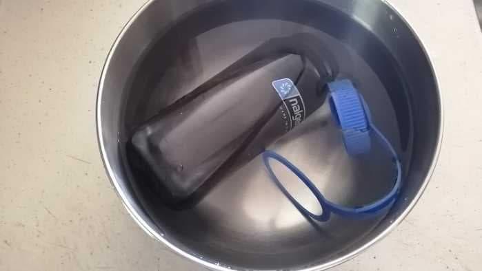 ナルゲンボトル浸け置き洗い