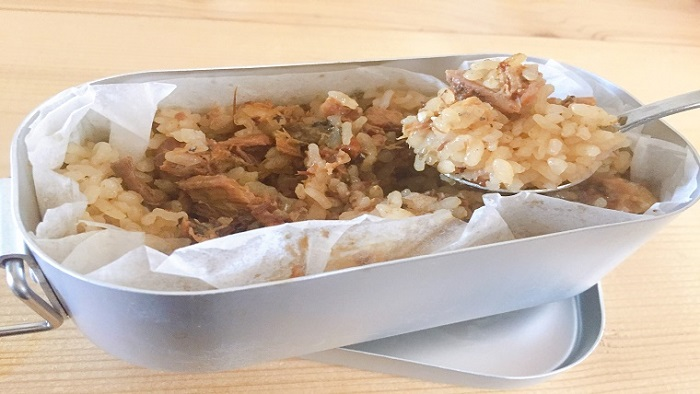 100均メスティン炊飯 サバの炊き込みご飯