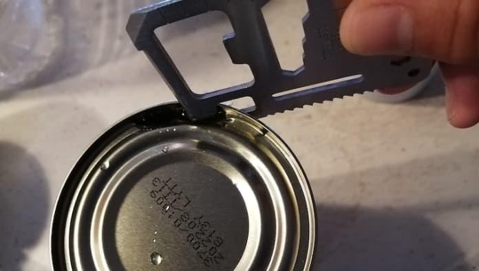 セリア マルチツールプレート 缶切り