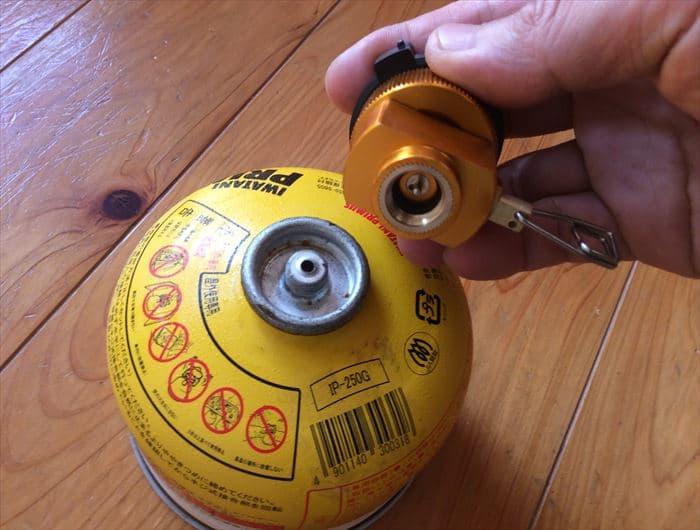 ガス缶 アダプター