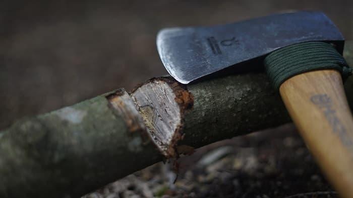 斧 使い方
