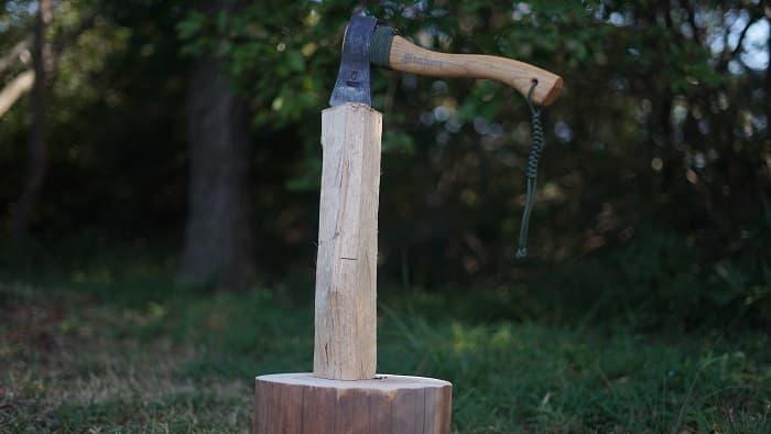 斧 使い方 食い込む