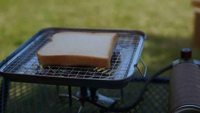 キャンプ 食パン 焼き網