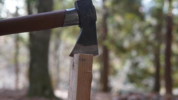 薪割り 斧