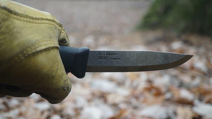 バトニングナイフ 持ち方