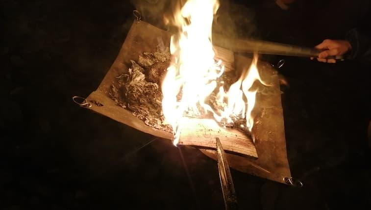 100均 火バサミ 焚火