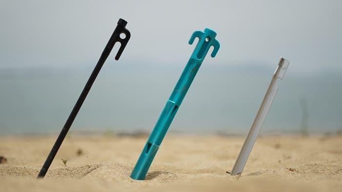 ペグ 砂浜